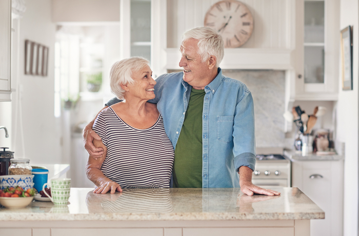 elderly-people-in-kitchen