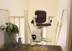 Powered swivel seat